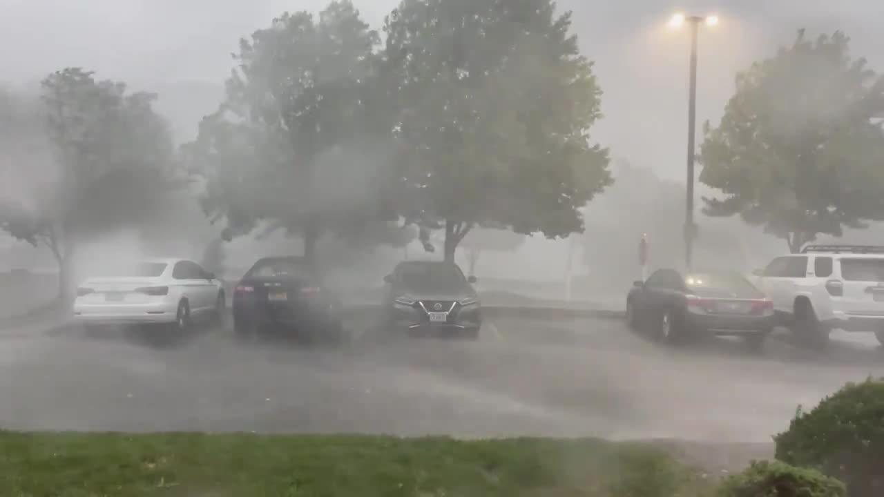 Severe thunderstorm strikes Kansas City metropolitan area, possible tornado reported