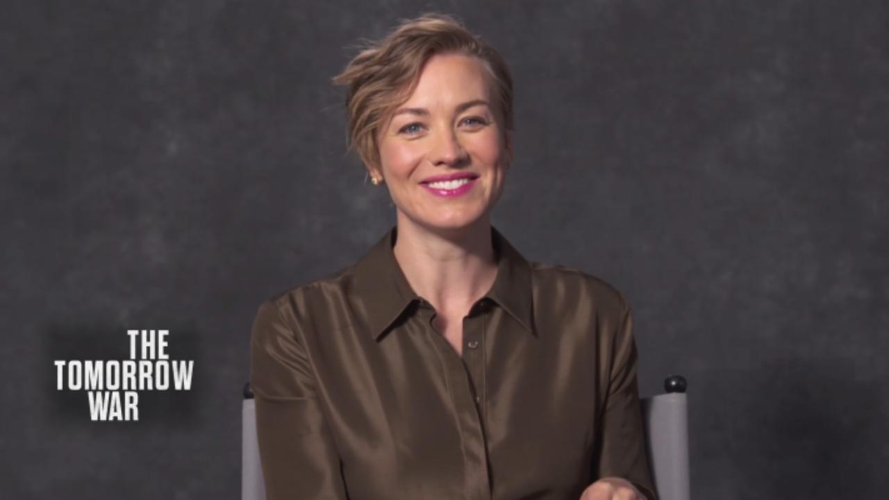 Yvonne Strahovski Teases 'The Handmaid's Tale' Finale
