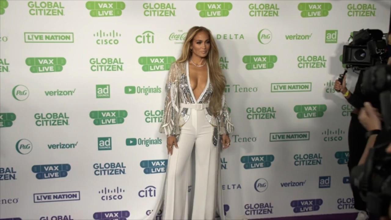 Jennifer Lopez et Ben Affleck: le bisou!