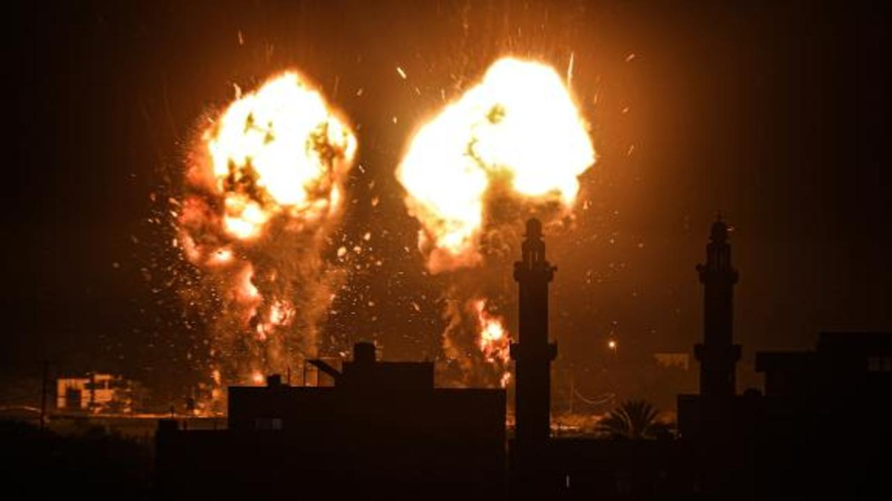 Israel launches airstrikes in Gaza over incendiary balloons