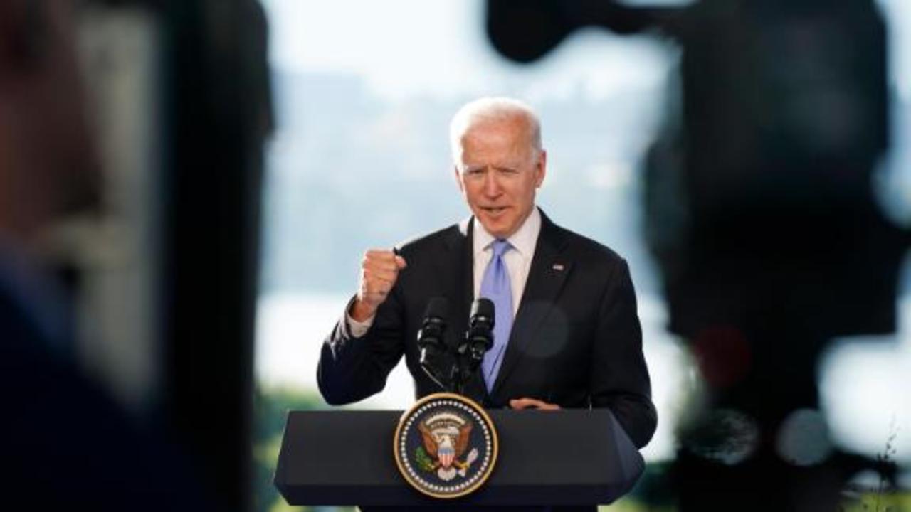 CNN's Kaitlan Collins presses Biden on his meeting with Putin