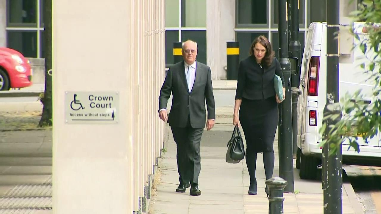 Inquiry Chair arrives at Manchester Magistrates' Court