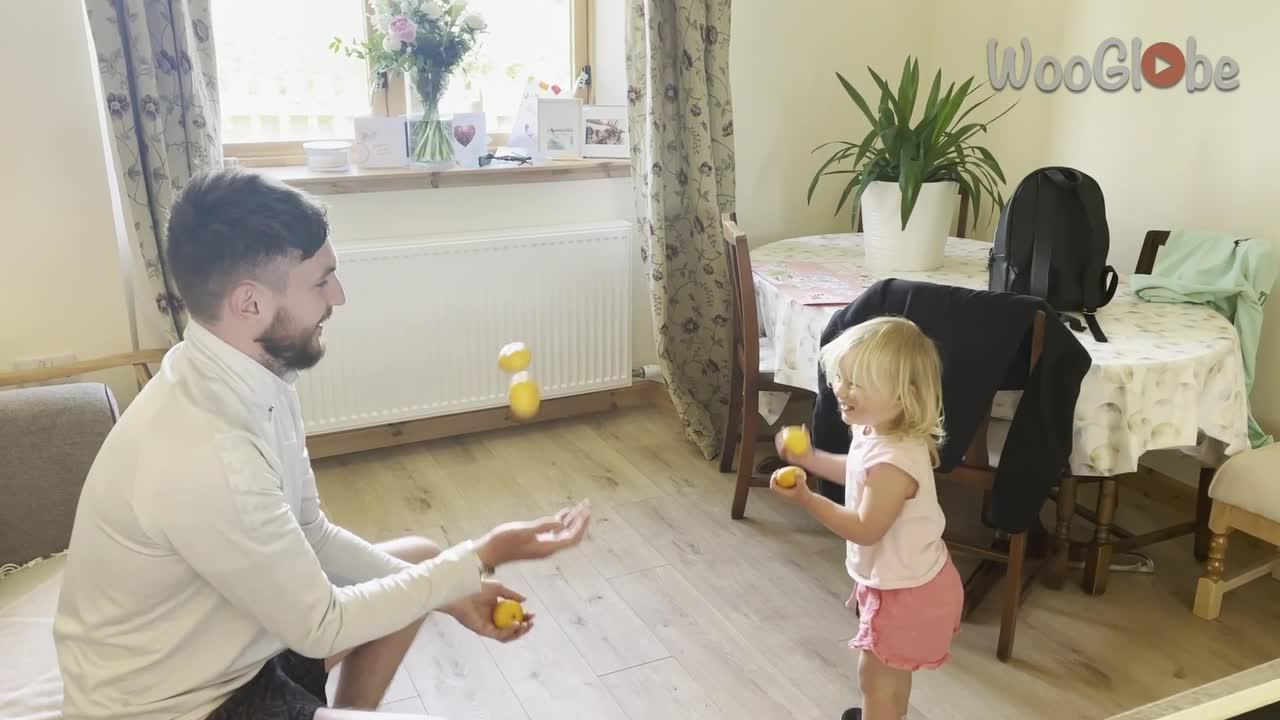 UK toddler's first attempts at juggling are hilarious
