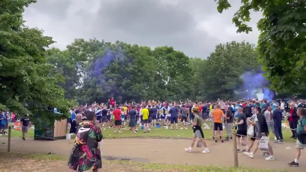 Tartan Army descends on Hyde Park despite police dispersal order as 20,000 expected to reach London