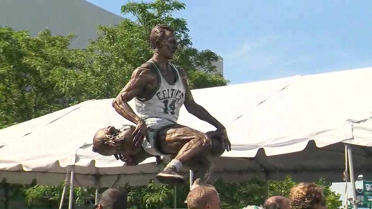 Bob Cousy statue unveiled in Worcester, Massachusetts