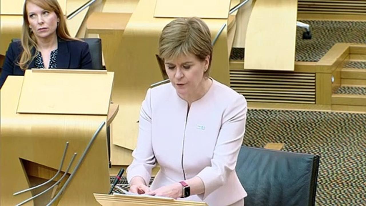 Nicola Sturgeon delays Scotland unlocking