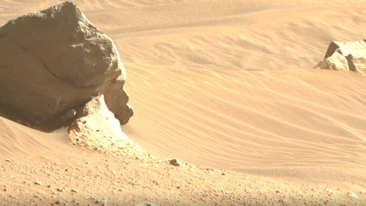 Mars Rover Captures Stunning Images of Martian Sand Dunes