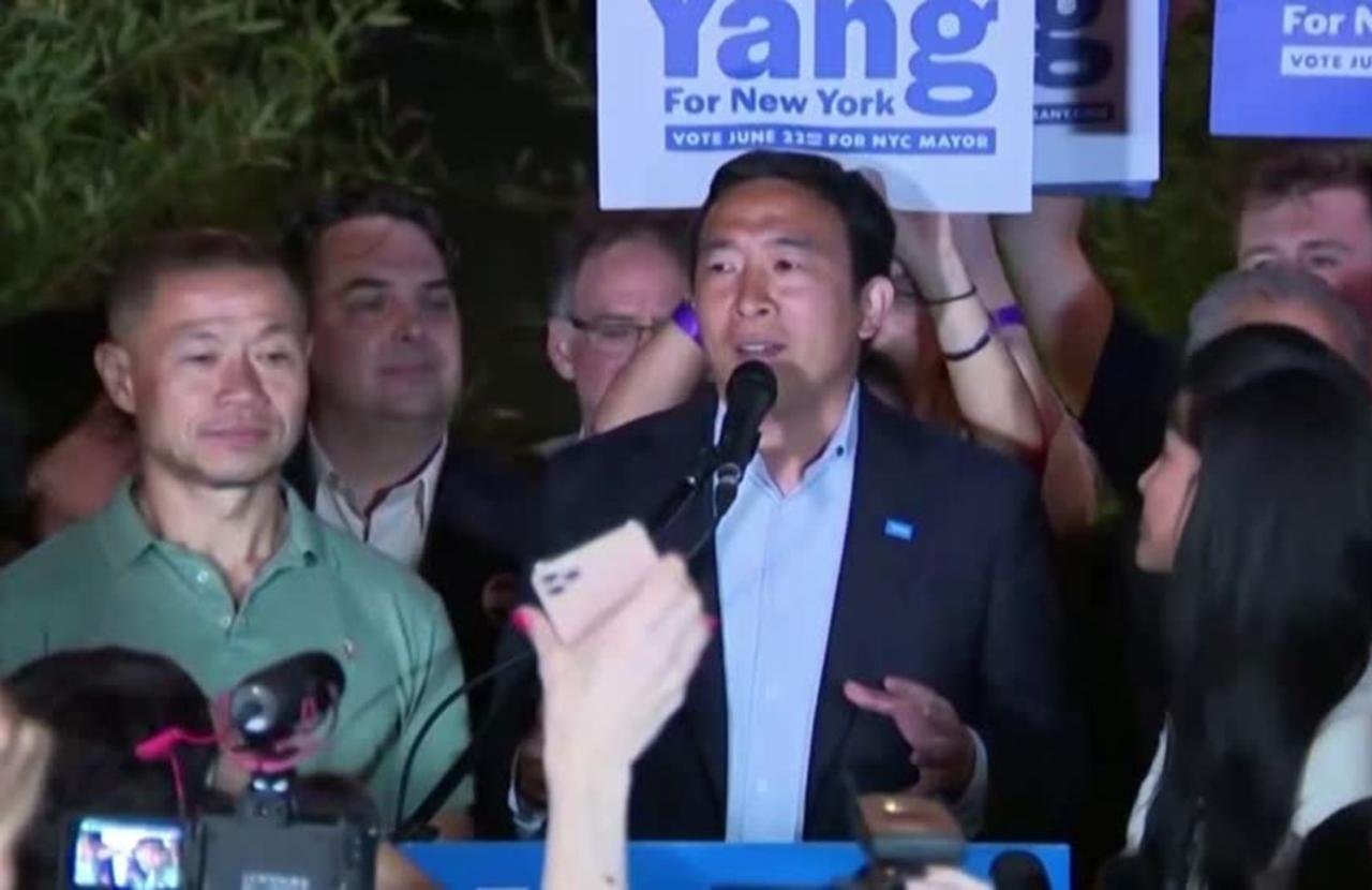 Yang concedes, Adams leads in NYC mayoral race