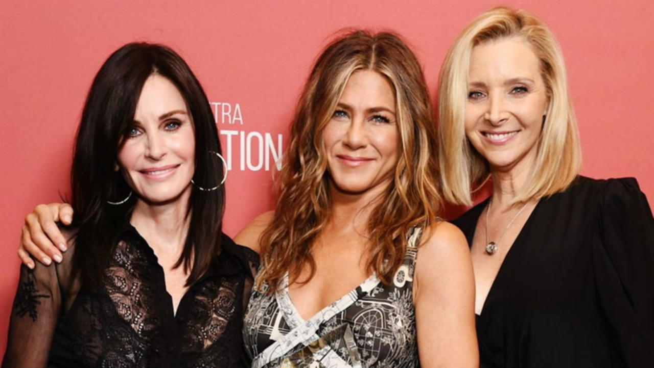 Jennifer Aniston Opens Up About Difficult 'Friends' Guest Star and Being 'Buddies' With Brad Pitt   THR News