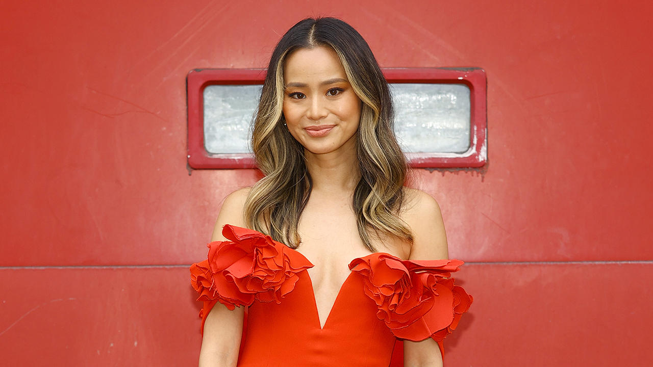 PEOPLE in 10: The News That Defined the Week PLUS Jamie Chung Joins Us