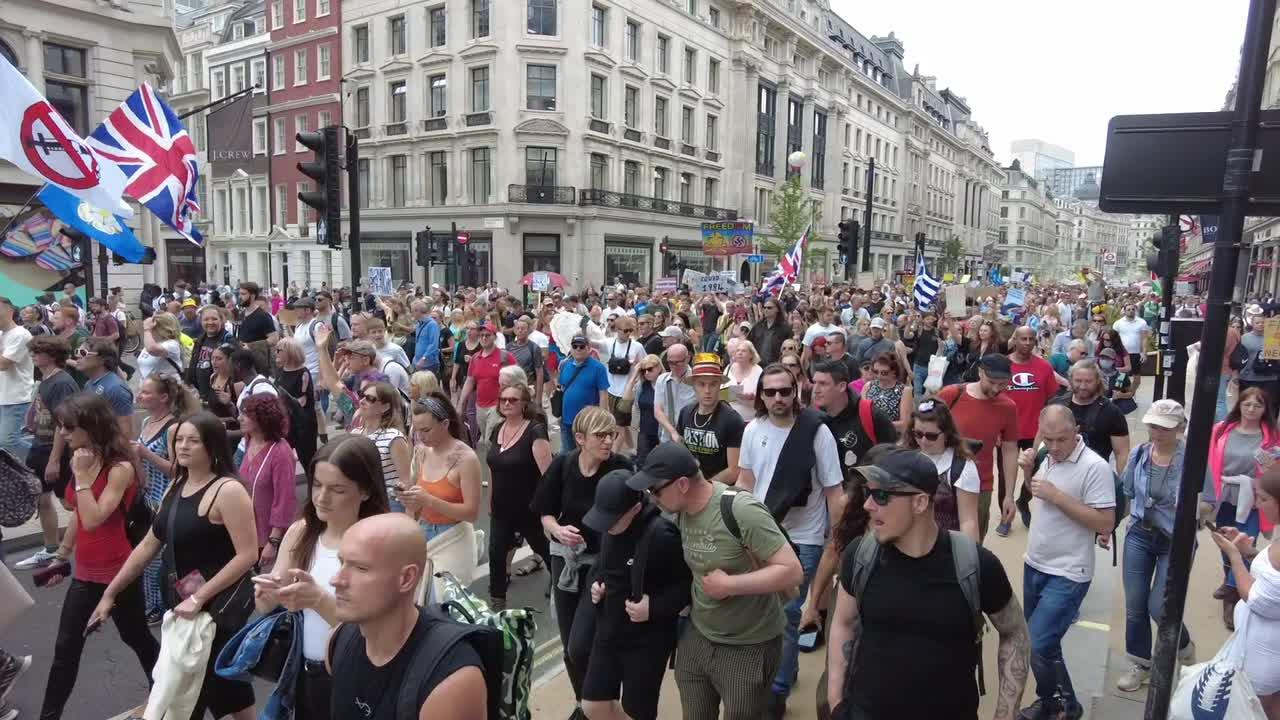 Anti-lockdown protesters march through London's Oxford Circus & Regents Street