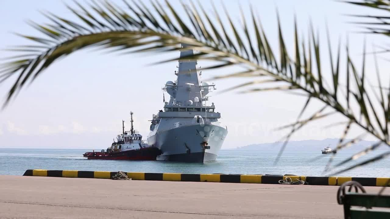 British destroyer involved in disputed incident off Crimea, arrives in Georgia