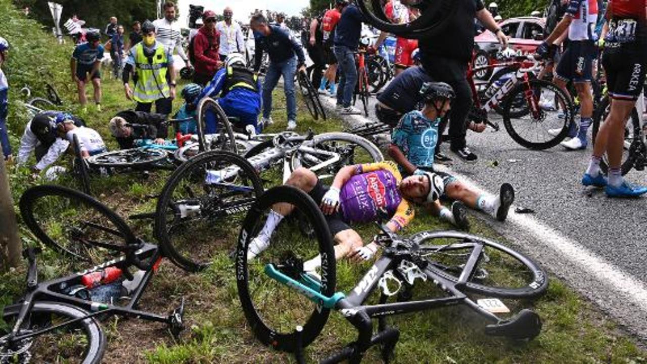 French authorities open investigation after Tour de France crash