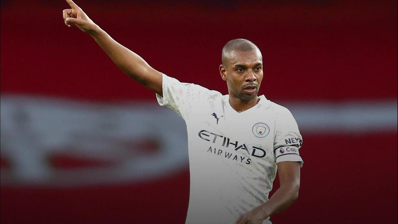 Fernandinho signs one-year extension with Manchester City