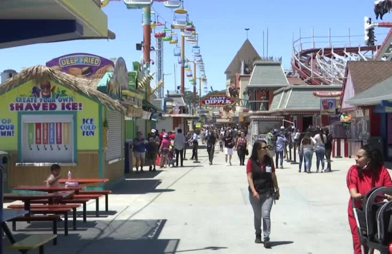 CA theme park reopens but short on workers