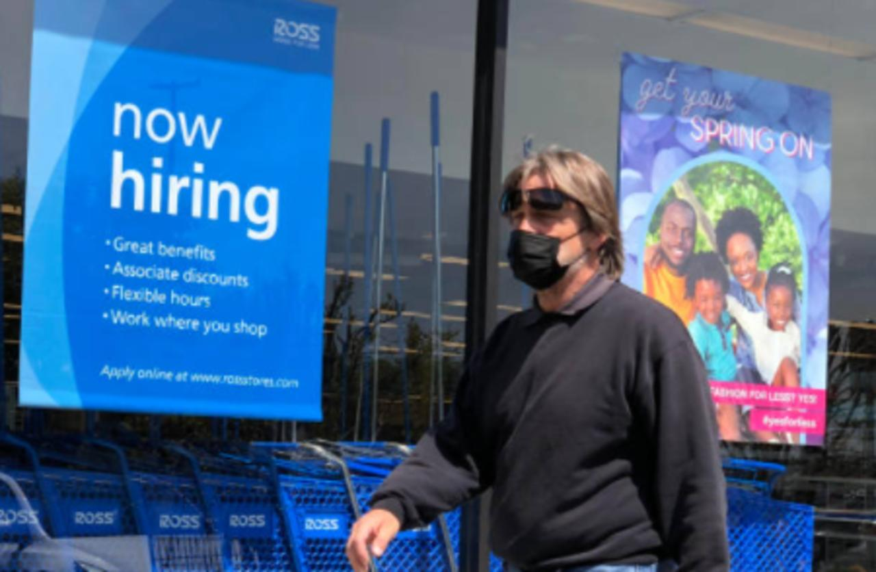 Jobless Claims Hit New Pandemic-Era Low of 364,000