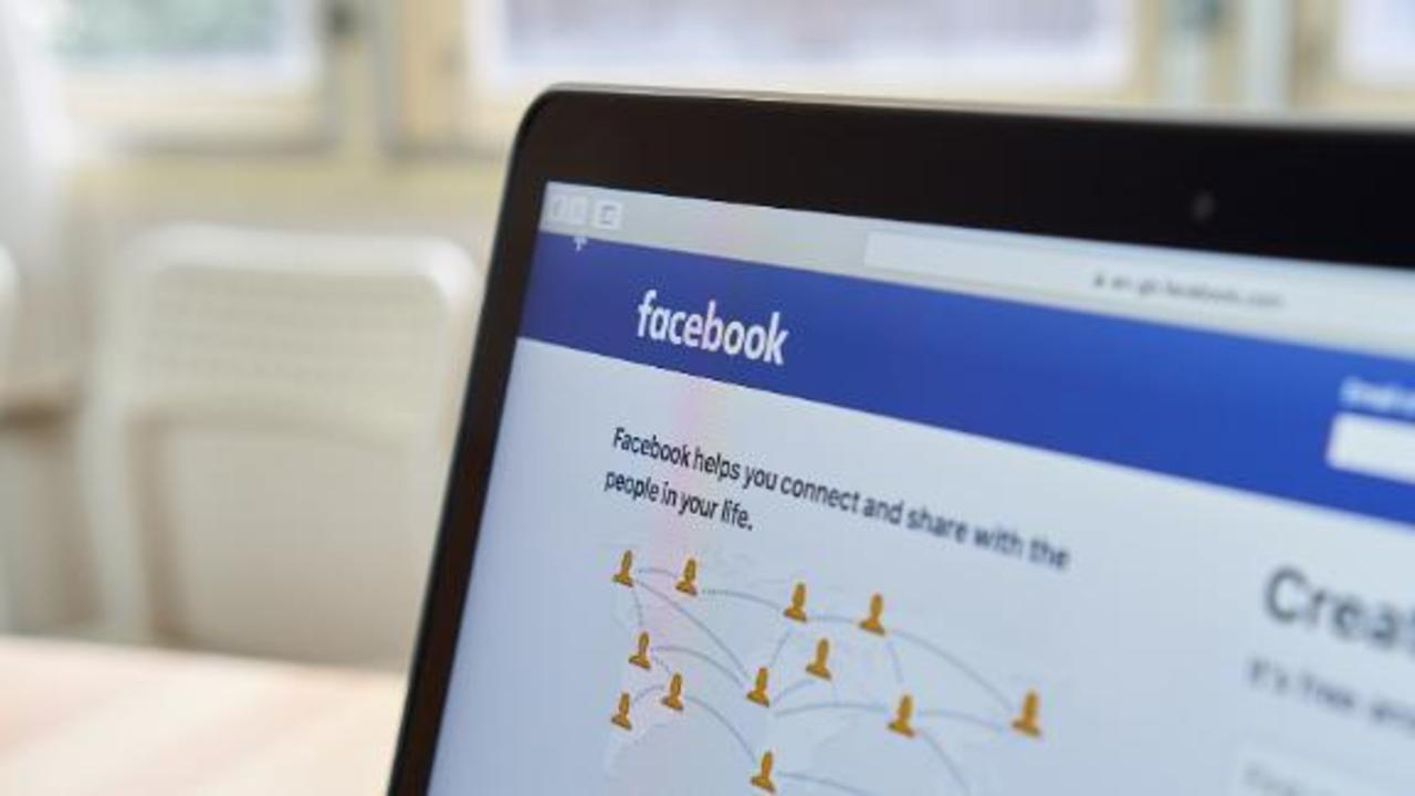 Facebook asks some users if they're worried a friend is 'becoming an extremist'