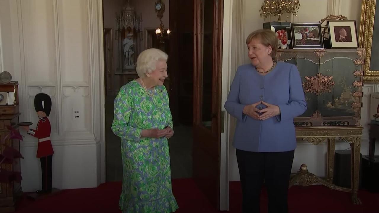 Queen hosts German Chancellor Angela Merkel at Windsor Castle