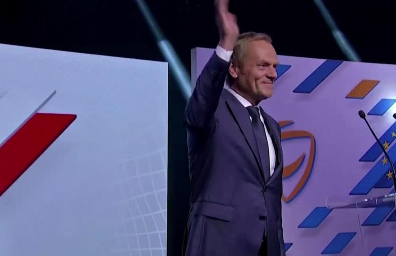 Poland's Tusk vows to lead opposition to victory