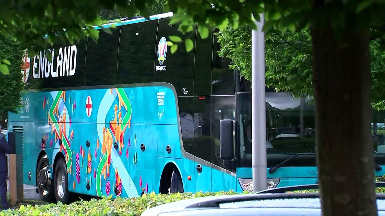 England team arrive at hotel ahead of semi-final