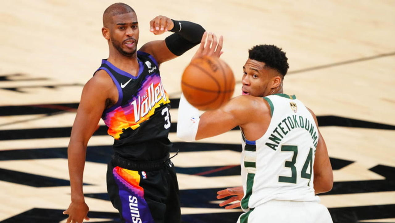 Chris Paul Proving the Midrange Jumper Is Alive and Well: Unchecked