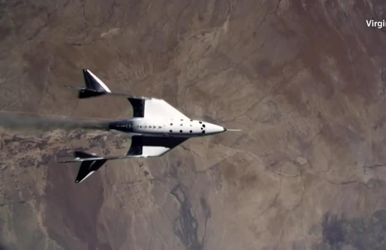 Compared: Who's winning the space tourism race?