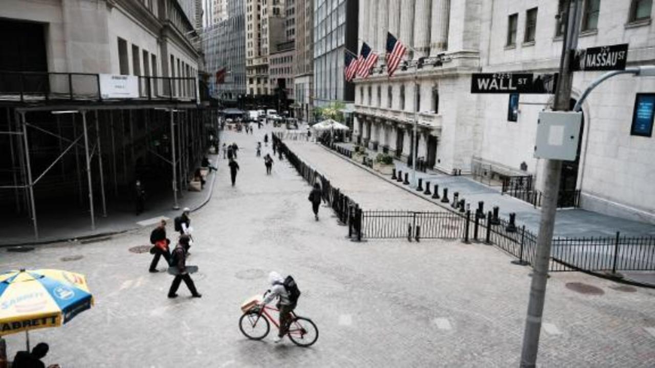 Stocks tumble as concerns grow over Delta variant