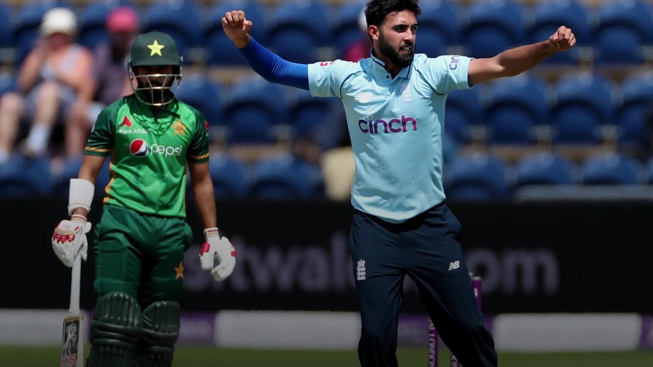 Saqib Mahmood still bowled over by shock call-up as England beat Pakistan