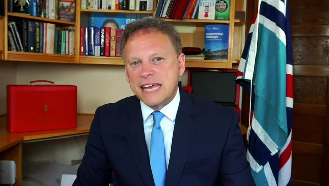 Shapps refuses to rule out Euros bank holiday