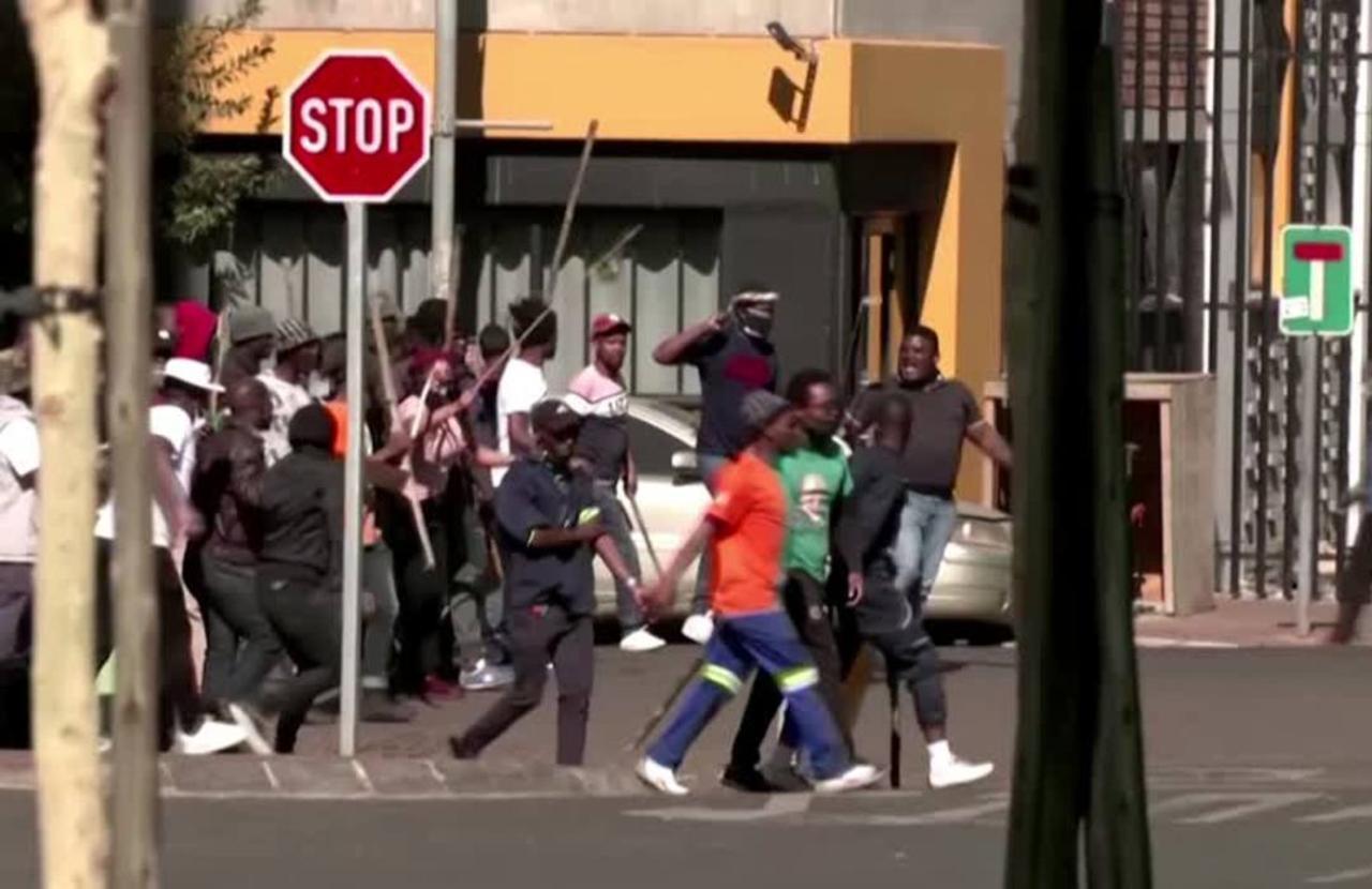 Violence spreads in wake of Zuma jailing