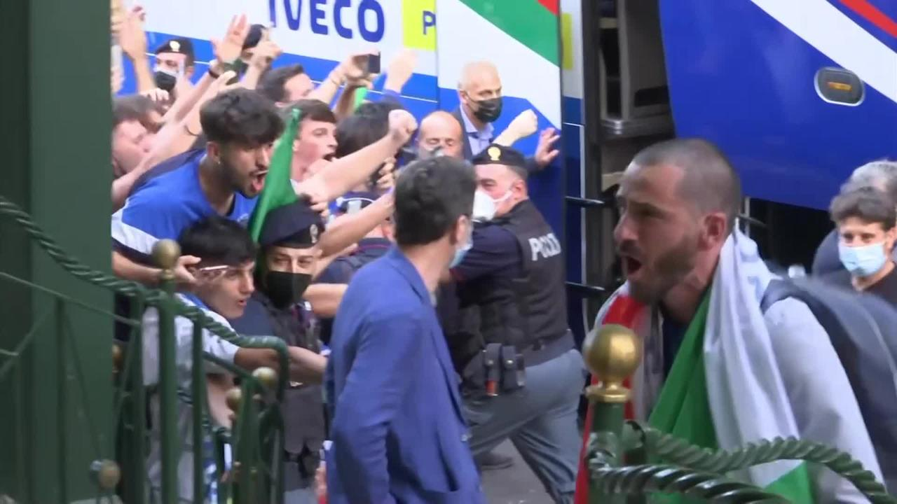 Italian national team return to Rome as champions