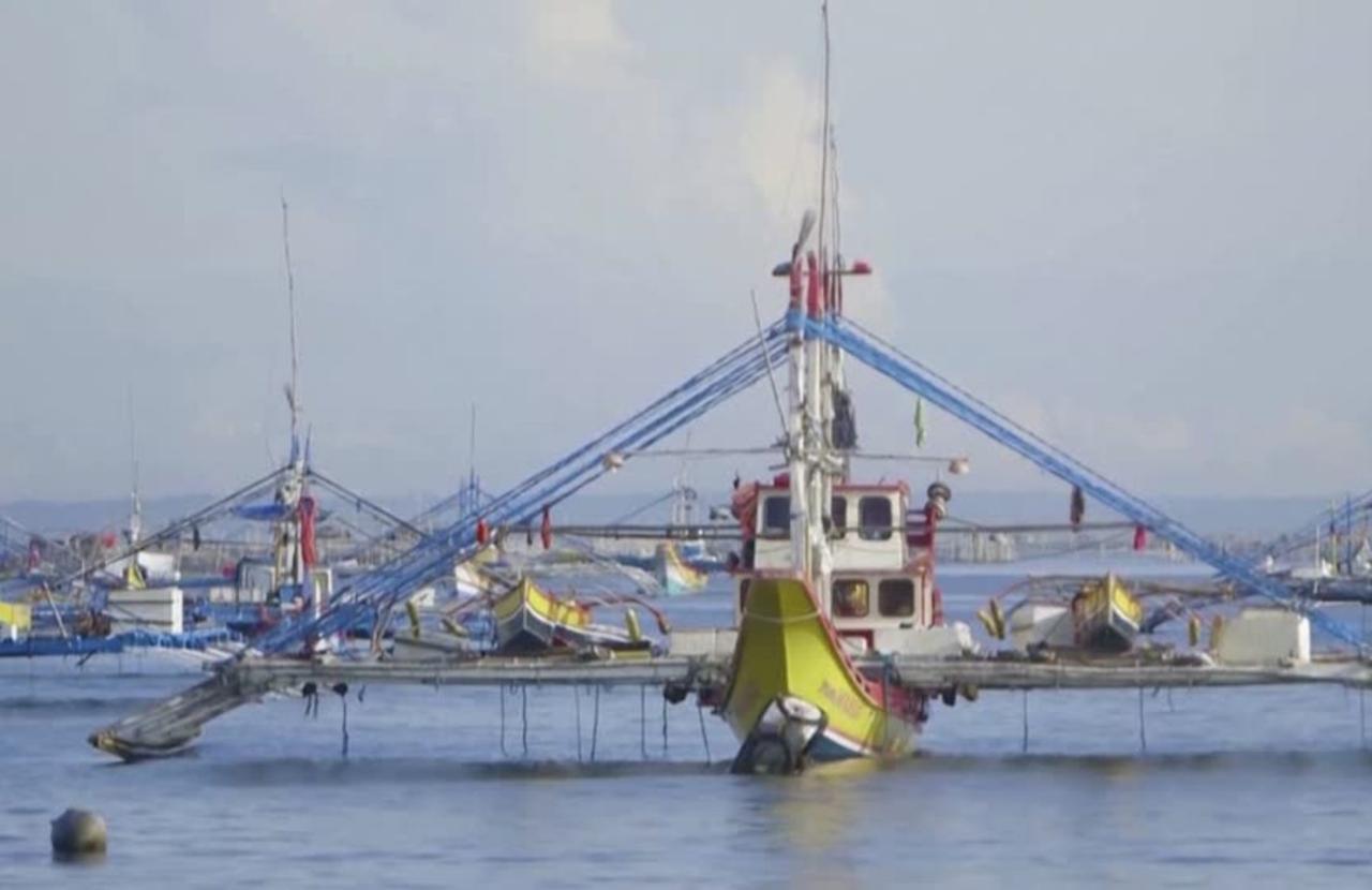 The Filipino fishermen facing off with China