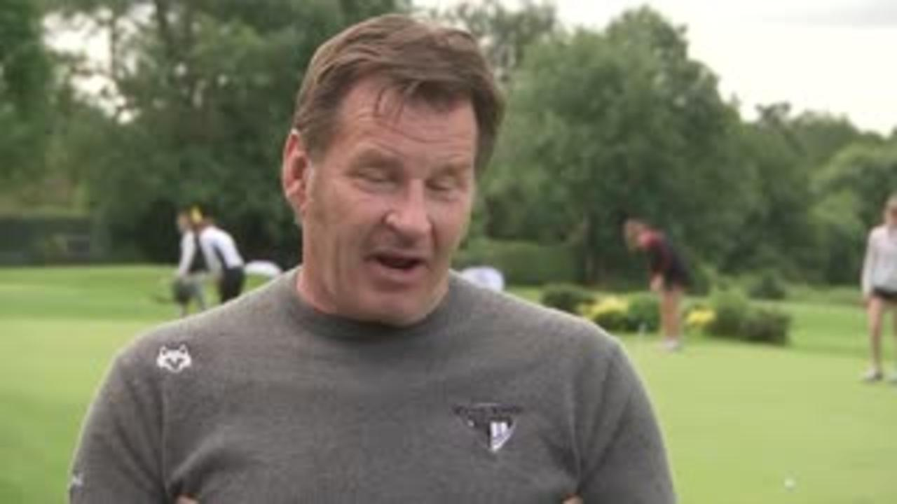 Faldo: McIlroy's problems 'deflating' him