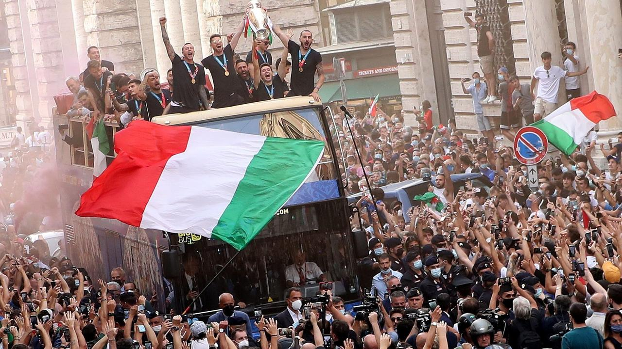 Victorious Italy team returns to Rome after Euro 2020 win