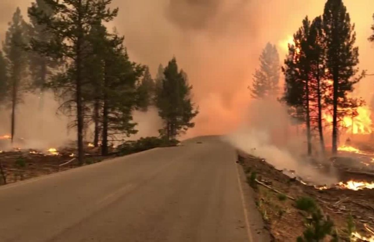 'If you don't leave, you're dead': Fleeing Oregon's Bootleg Fire