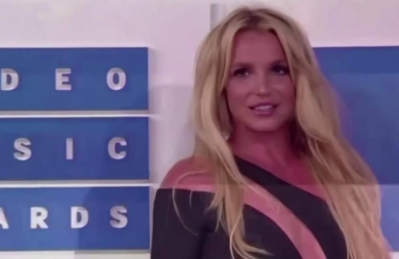 Britney Spears wins right to choose her attorney