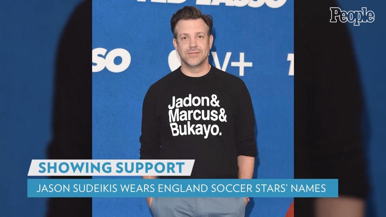 Jason Sudeikis Supports England's Black Soccer Players at Ted Lasso Premiere with Bold Sweatshirt