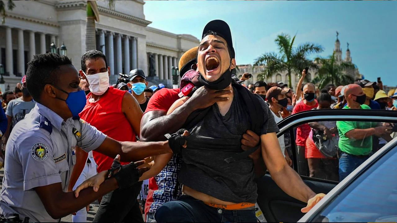 Cuba: Protesters move from social media to the streets | The Listening Post