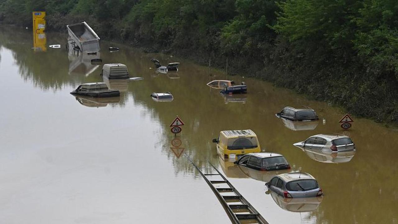 Death toll rises to more than 180 as Germany, Belgium clean up after floods