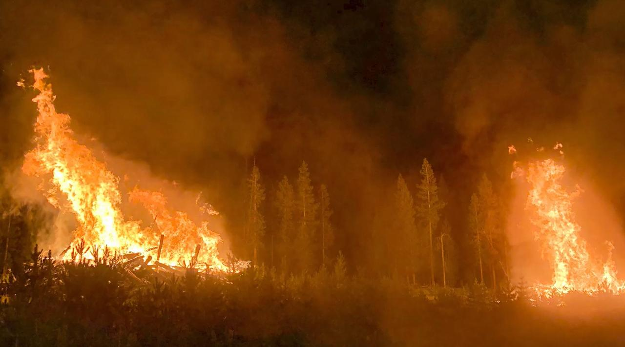 BOOTLEG Fire: Operations Chief Kyle Cannon give Monday morning update