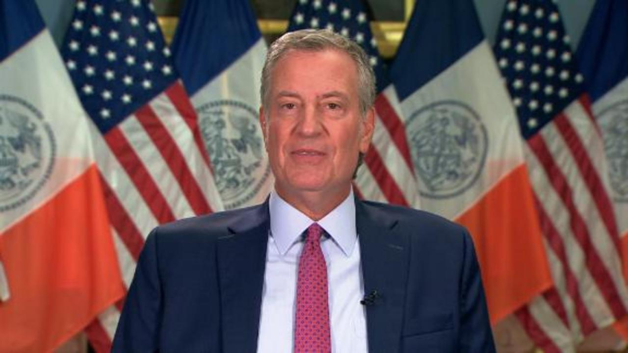 See NYC mayor's message to unvaccinated healthcare workers