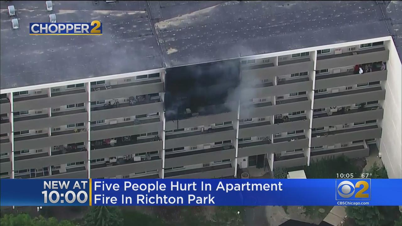 5 People Hurt In Richton Park Apartment Building Fire