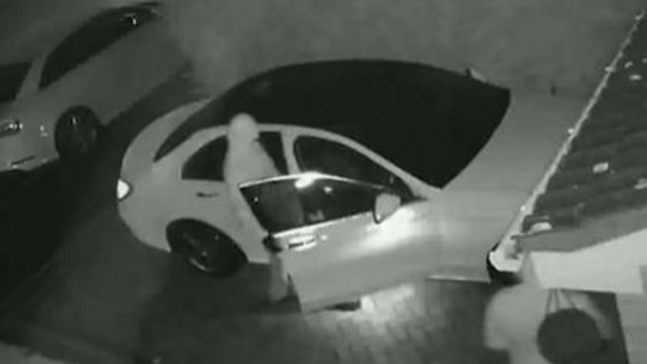 Thieves snatch keyless Mercedes in just 60 seconds