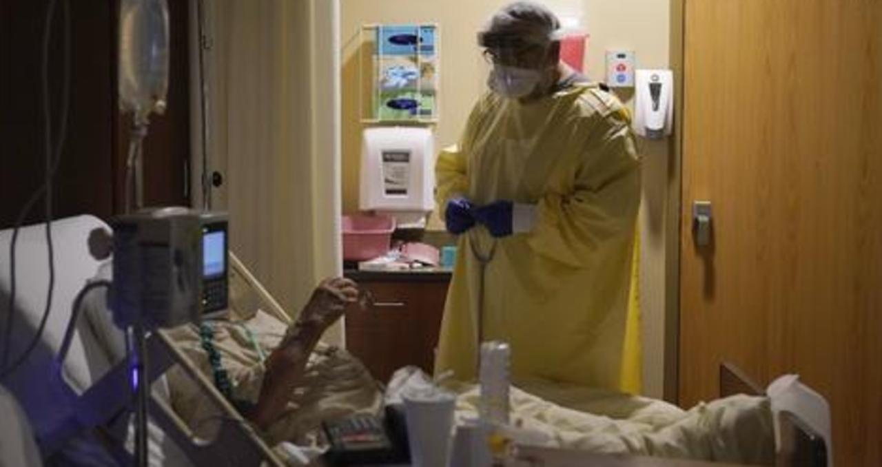 Las Vegas hospital workers discuss surge in COVID-19 hospitalizations