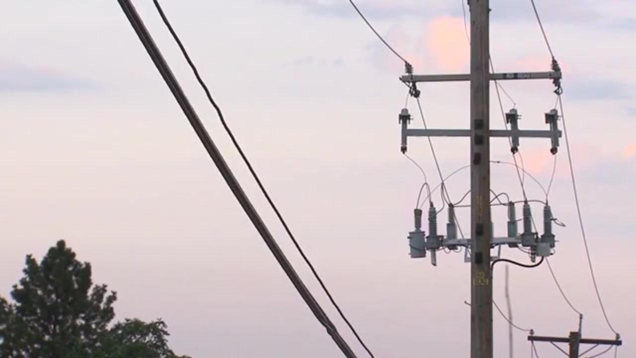 Pacific Gas & Electric's plan to bury thousands of miles of power lines could cost $1 billion