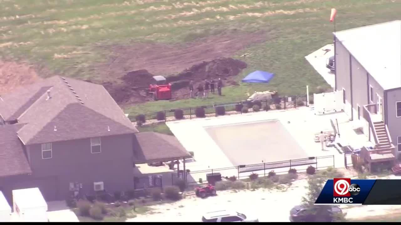 FBI digs at Grain Valley property where woman's remains found