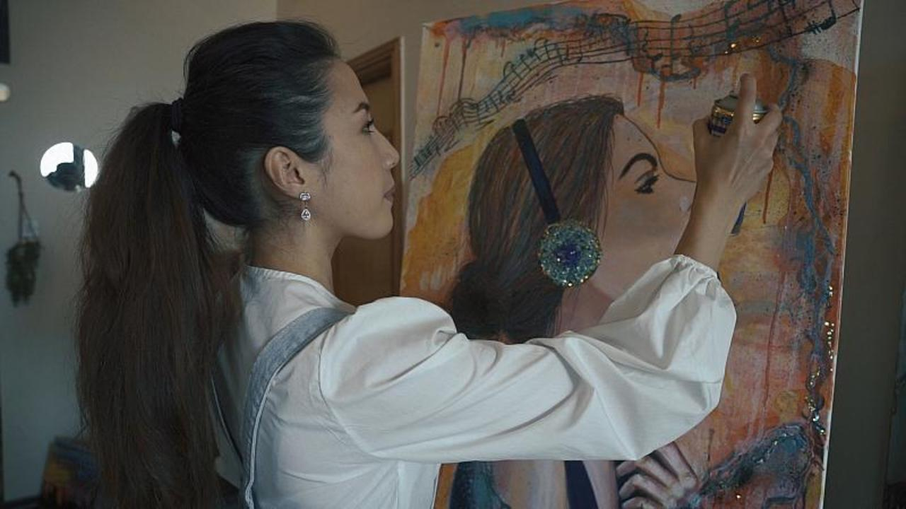 Akmo, the artist who found her voice in Dubai