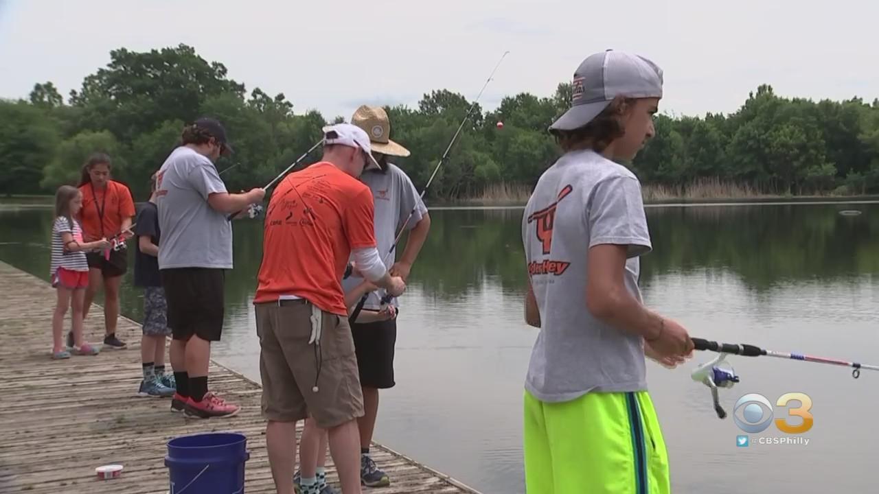 Bernie Parent Teaches Student-Athletes How To Fish