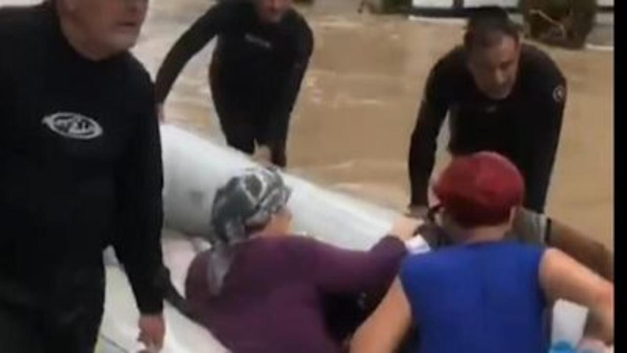 Police rescue residents from floods in Turkey