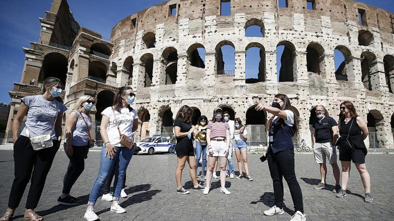 Italy to roll out COVID health pass for bars, restaurants and museums